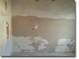Küchenwand verputzt